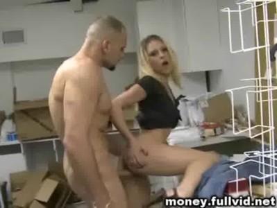 sex v kuchyni pornorama